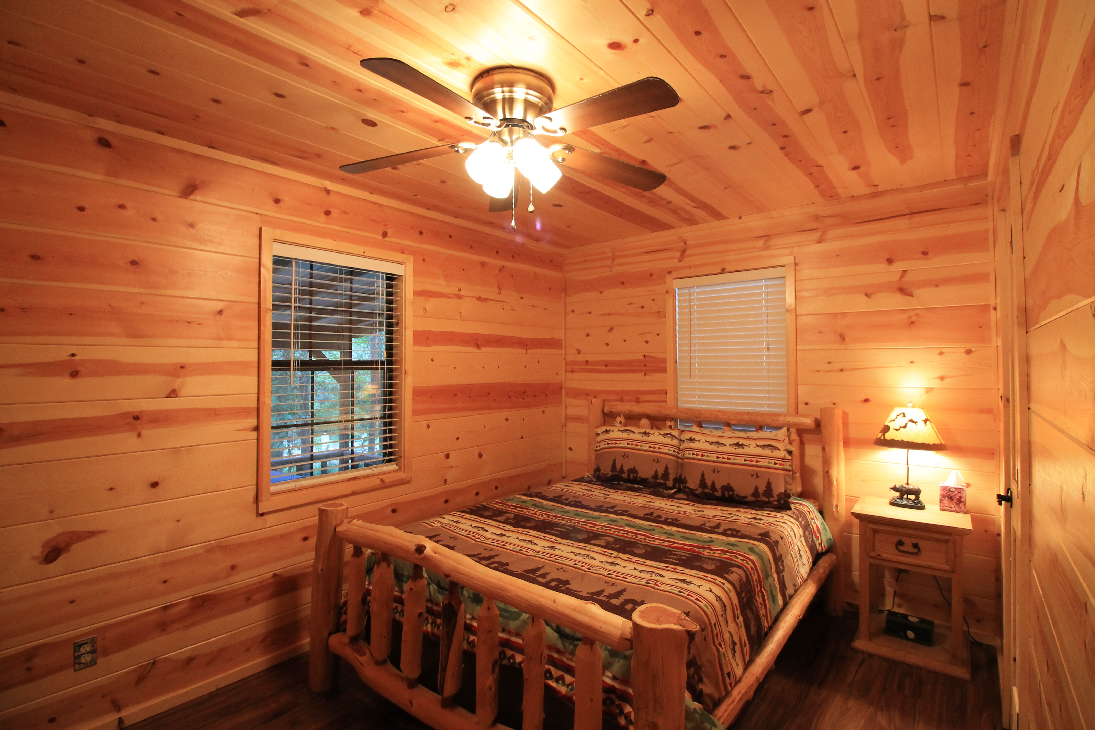 romantic lodging want getaway the mountain or cabin at shot for screen cabins our you honeymoon rentals bear bow and offer beavers bend privacy broken pm your quality intimacy